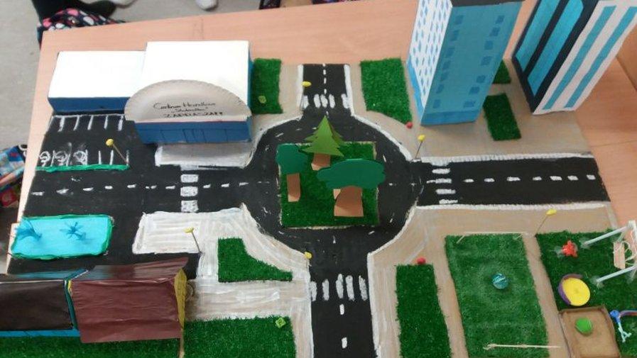 Makieta osiedla – twórcze projektowanie uczniów klasy 6a