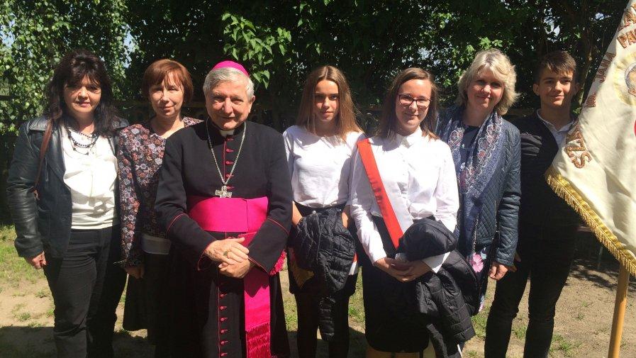 XVII zjazd szkół Jana Pawła II w Chełmcach