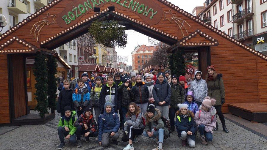 Mikołajkowa wycieczka klasy 5a i 5d do Wrocławia